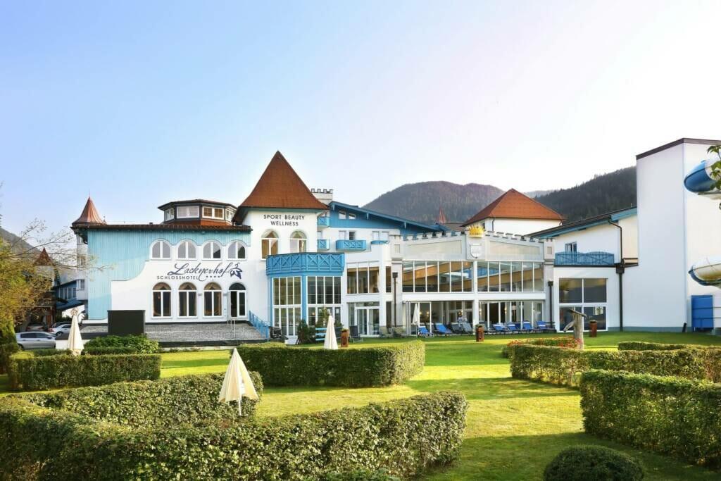 Hotel Lacknerhof im Sommer
