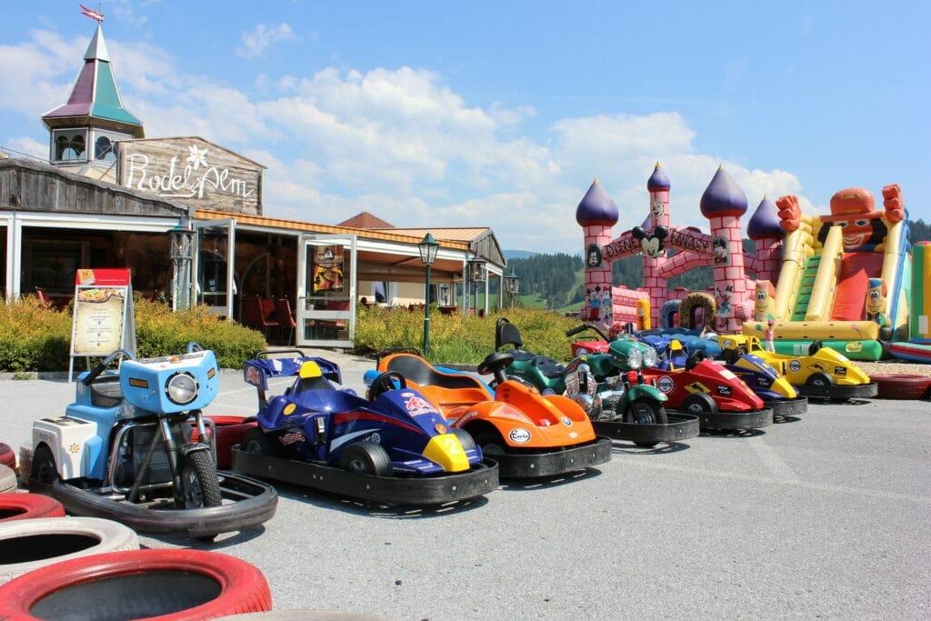 Tolle Auto Scooter im Luckys Freizeitpark - Familienhotel Lacknerhof