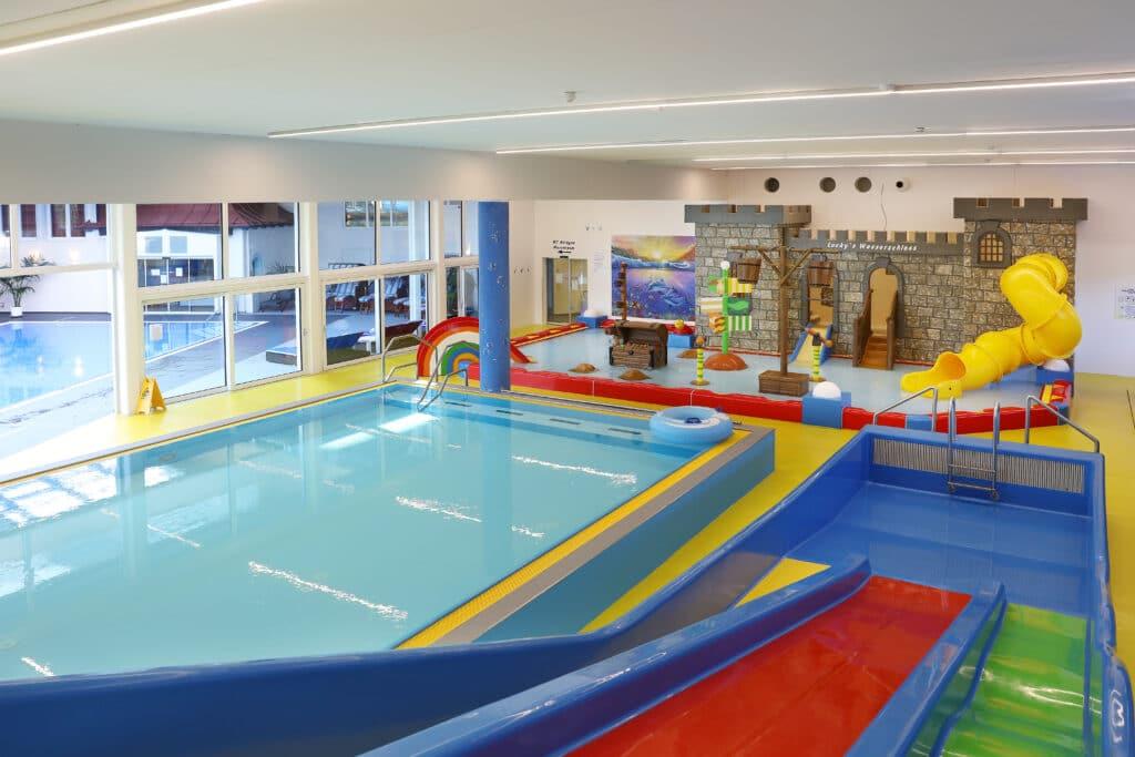 Wasserwelt für Kinder im Schloss- Familienhotel Lacknerhof